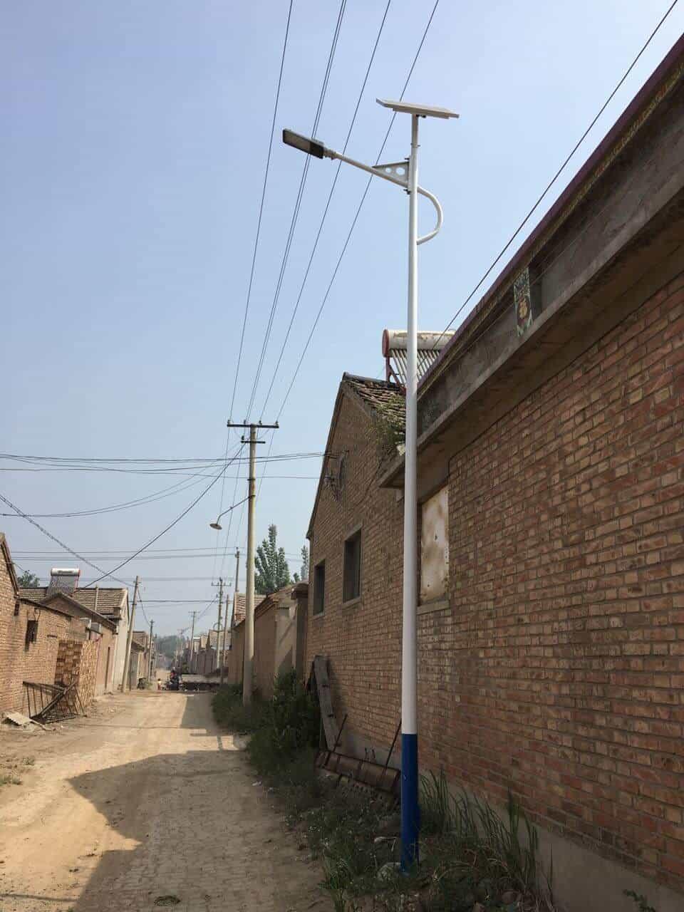 Road lamp LED solar power